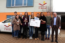 4,727 Euros for a good cause –ept employees donate raffle proceeds